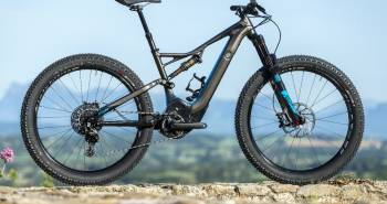 Specialized Turbo Levo FSR 2016: Vollgefedertes E-Bike
