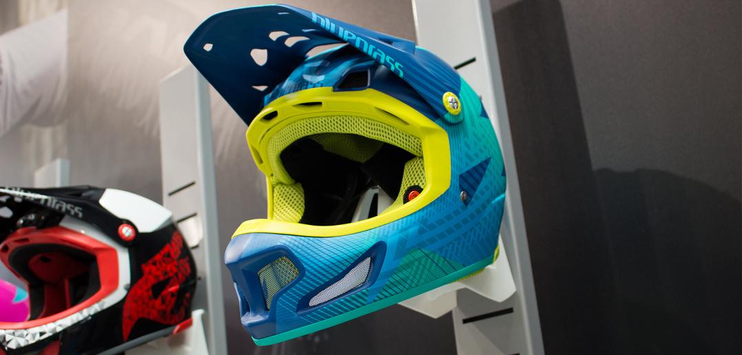 Bluegrass Brave 2016: Fortschrittlicher Fullface-Helm mit 3DO-Technik | Eurobike 2015
