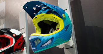 Bluegrass Brave 2016: Fortschrittlicher Fullface-Helm mit 3DO-Technik   Eurobike 2015