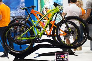 Mondraker Crafty 2016: RR+ und R+ kommen mit 27.5-Plus-Reifen | Eurobike 2015