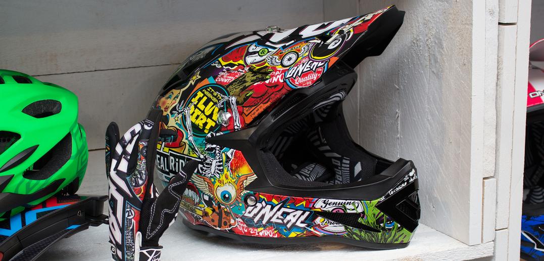 Oneal Warp 2016: Neuer Fullface-Helm für Downhill-Einsatz | Eurobike 2015