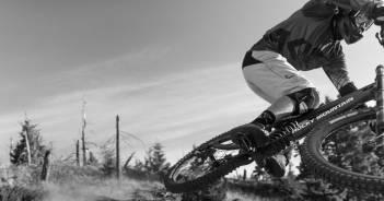 Rocky Mountain Maiden: Carbon-Downhill-Bike für 26- und 27,5-Zoll-Räder