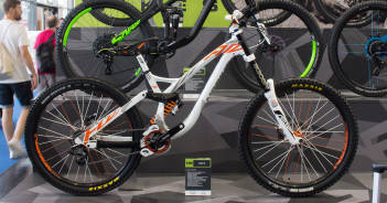 NS Bikes Fuzz 2016 auf der Eurobike 2015: Potenter Downhill-Racer im Video