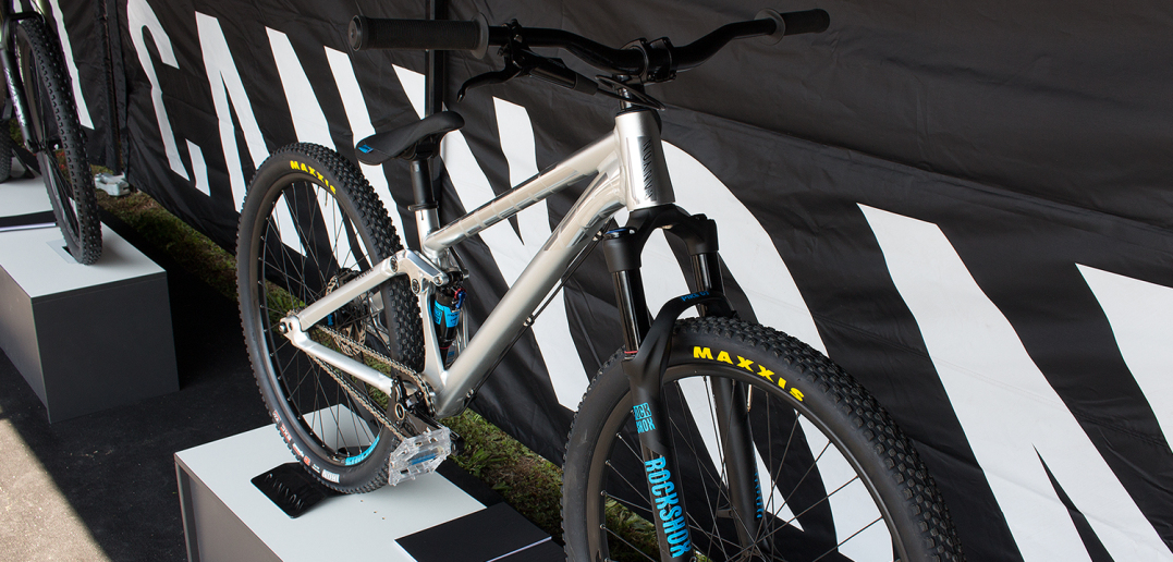 Canyon Stiched 720: Slopestyle-Fully kommt in begrenzter Sonderauflage | Eurobike 2015