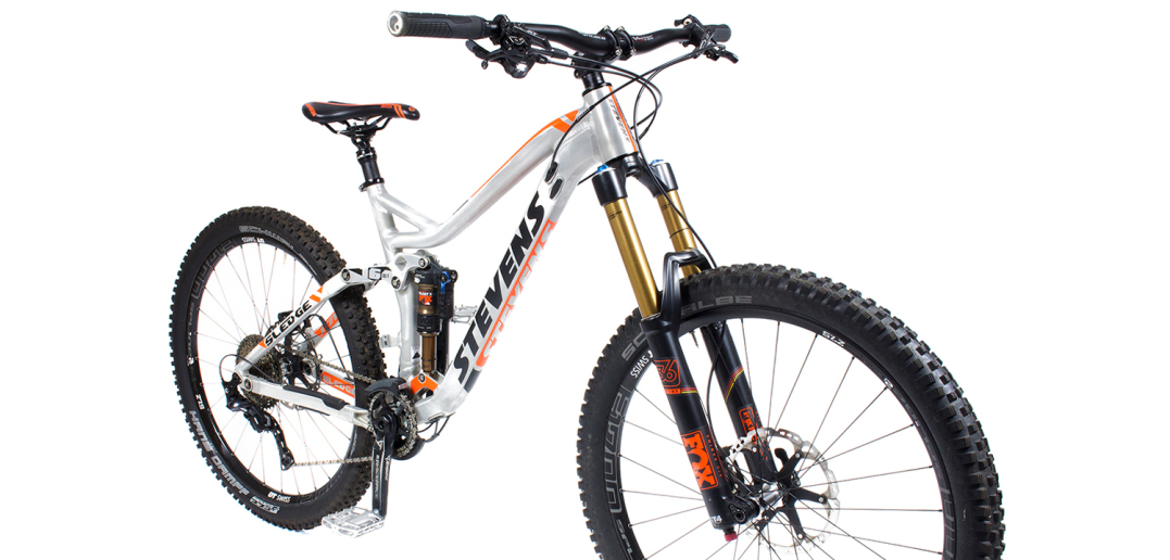 stevens sledge max im test enduro bike mit fox factory. Black Bedroom Furniture Sets. Home Design Ideas