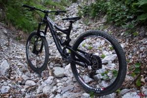 Alutech Teibun 2016: Race-Enduro als Custom-Aufbau im Kurztest