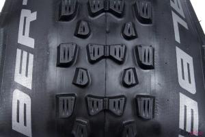 Schwalbe Fat Albert 2016: Allround-Reifen für unser Enduro-Projekt [Mountainbike Build]