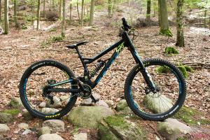 Bergamont Straitline 2017: Neues Downhill-Bike in der Team-Variante ausprobiert