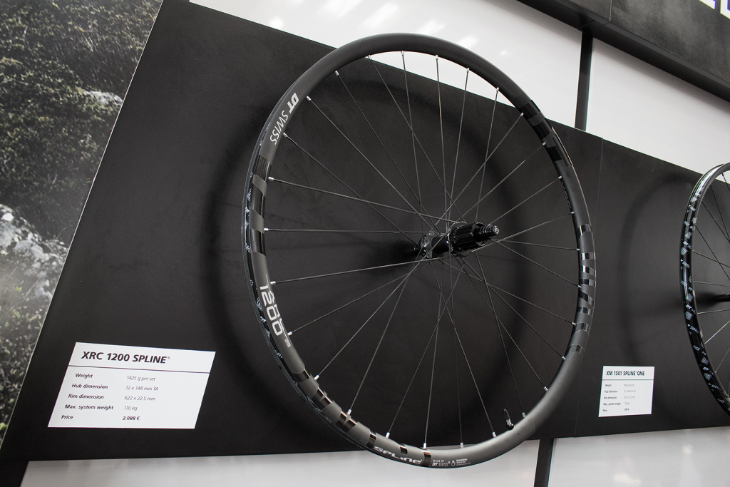 DT Swiss XRC 1200 Spline 2017: Überarbeitete Carbon-Laufräder mit neuer Felge [Eurobike 2016]