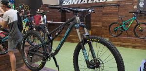 """Santa Cruz Bronson 2017: Alu-Version des Allround-Bikes zum """"kleinen"""" Preis [Eurobike 2016]"""
