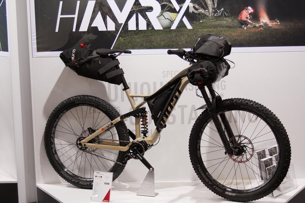 Ghost baut Bikepacking mit H AMR, Roket und AMR-Taschensystem für 2017 aus
