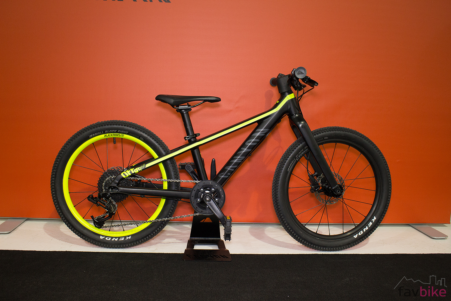 canyon young heros kids bikes kinder mountainbikes. Black Bedroom Furniture Sets. Home Design Ideas
