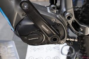 Focus JAM²: E-Fully mit Shimano Steps E8000 und speziellem Akku-Konzept [BFS 2017]