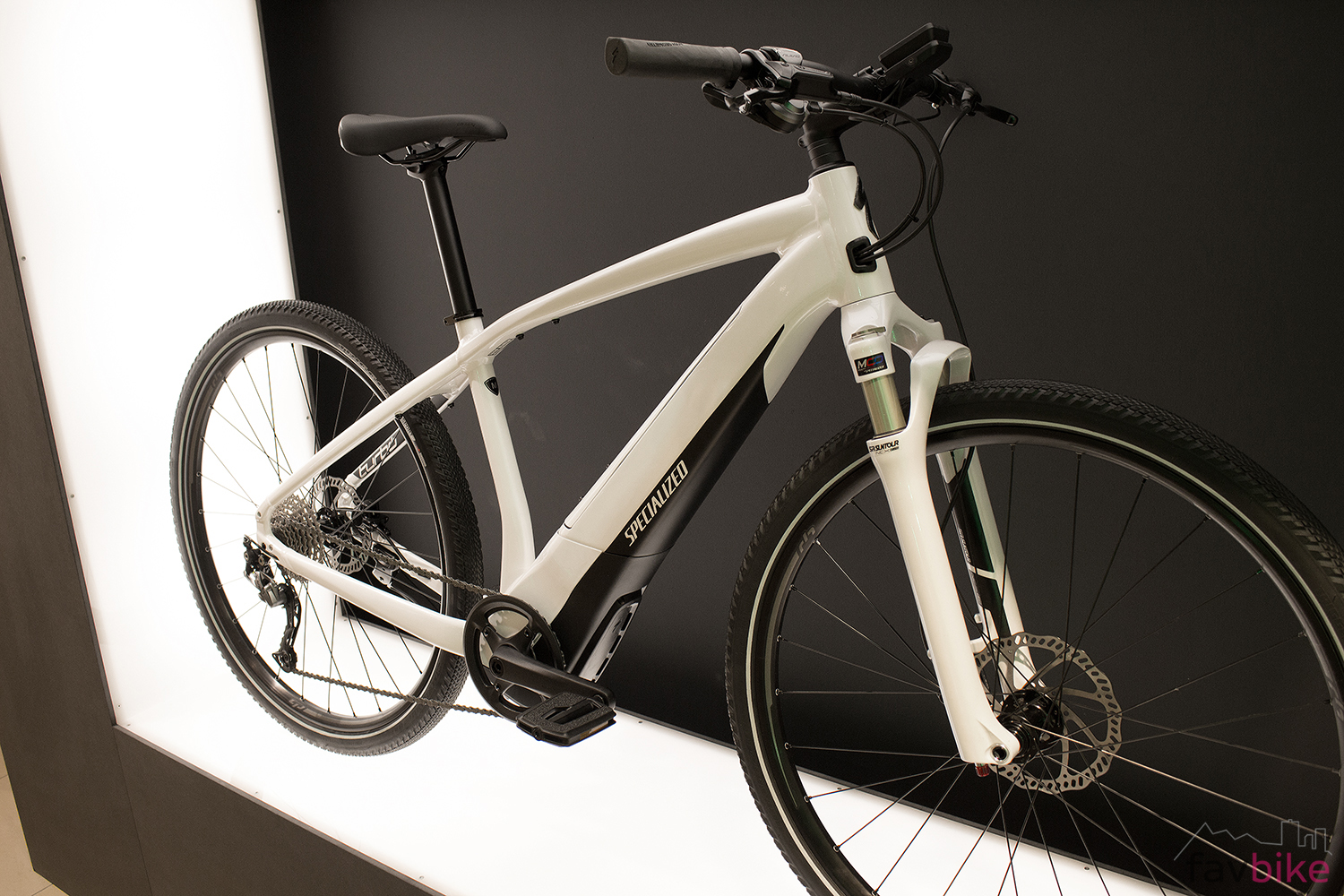 specialized-turbo-vado-2_0-commuter-pede
