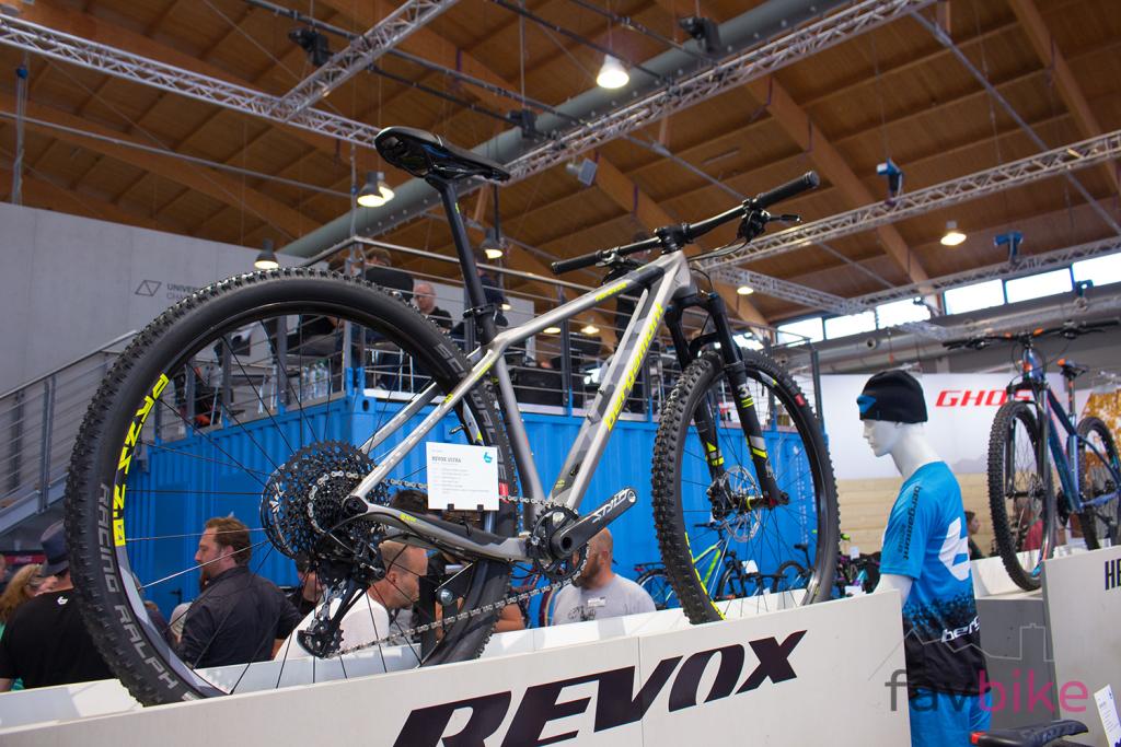 Bergamont Revox Carbon 2018: Neue Rahmenplattform mit Geometrie-Update [Eurobike 2017]