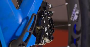 Shimano XT BR-M8020: Vier Kolben für mehr Brems-Power [Eurobike 2017]