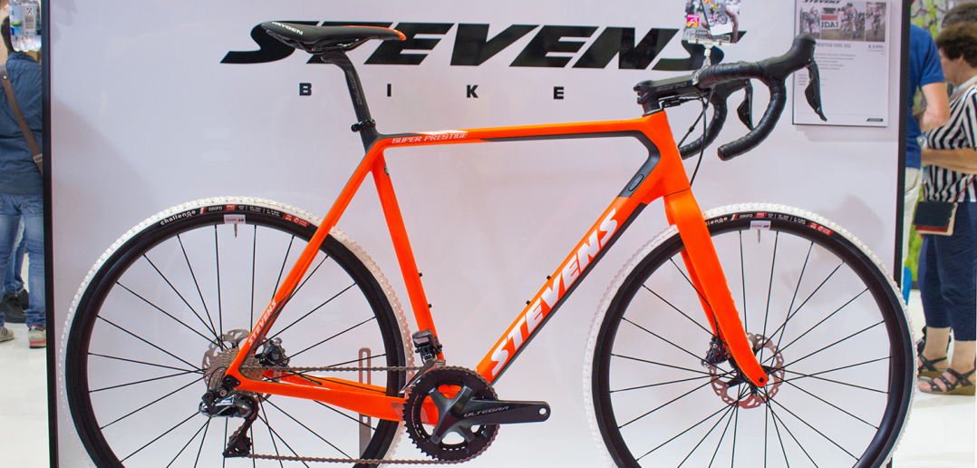 Stevens Super Prestige 2018: Carbon-Cyclocrosser in vielen Details optimiert [Eurobike 2017]