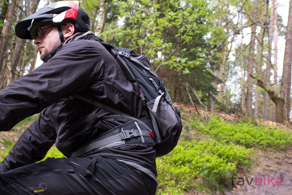 Vaude Moab Pro: Protektor-Rucksack für Enduristen und Trailfahrer im Dauertest
