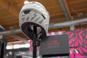 Leatt DBX 3.0 DH: Neuer Downhill-Helm mit 360-Turbine-Technologie [Eurobike 2018]