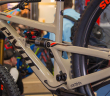 Pivot Firebird 29: Carbon-Enduro für Park und grobes Gelände [Eurobike 2018]