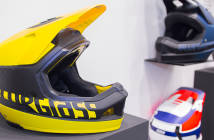 Bluegrass Legit Cartbon: High-End-Downhill-Helm mit Mips-System [Eurobike 2018]
