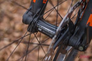 Acros ED Race Carbon: Leichte, günstige und robuste Enduro-Laufräder im Test