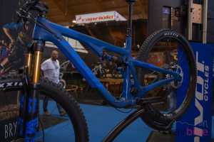 Pivot Trail 429: Modernes High-End-Trailbike mit Carbon-Rahmen [Eurobike 2018]