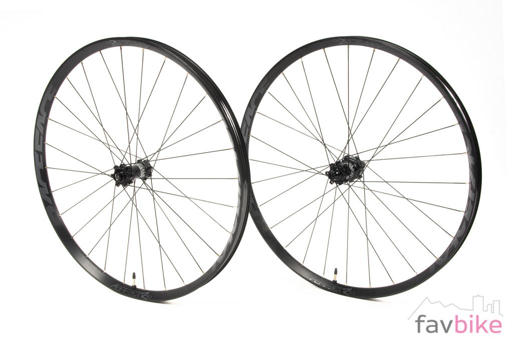 Race Face Aeffect R: Günstige und robuste Laufräder für Trail bis Enduro