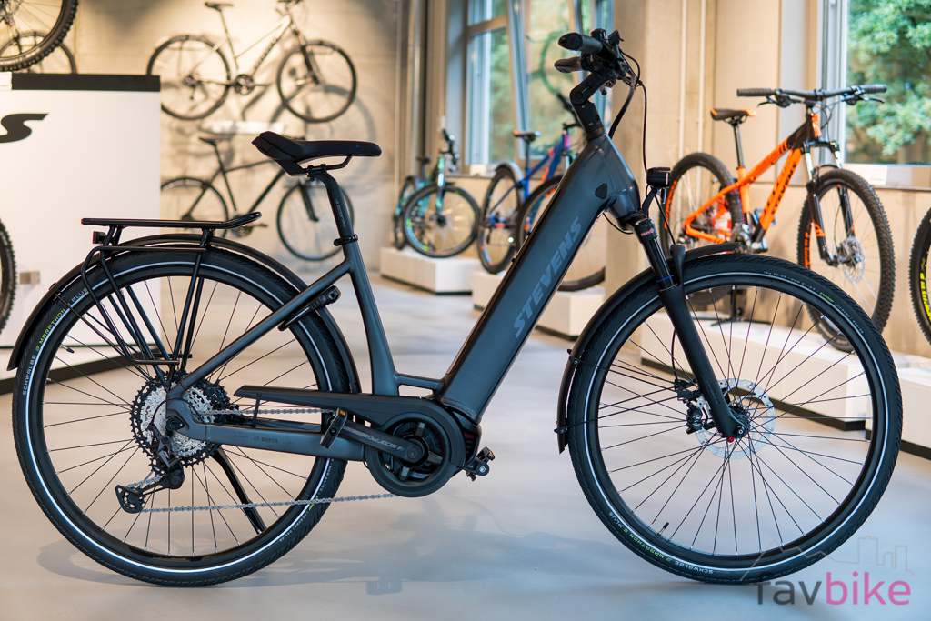 Stevens E-Triton Plus 2020: Touren-Pedelec für schwere Fahrer [Stevens Hausmesse]