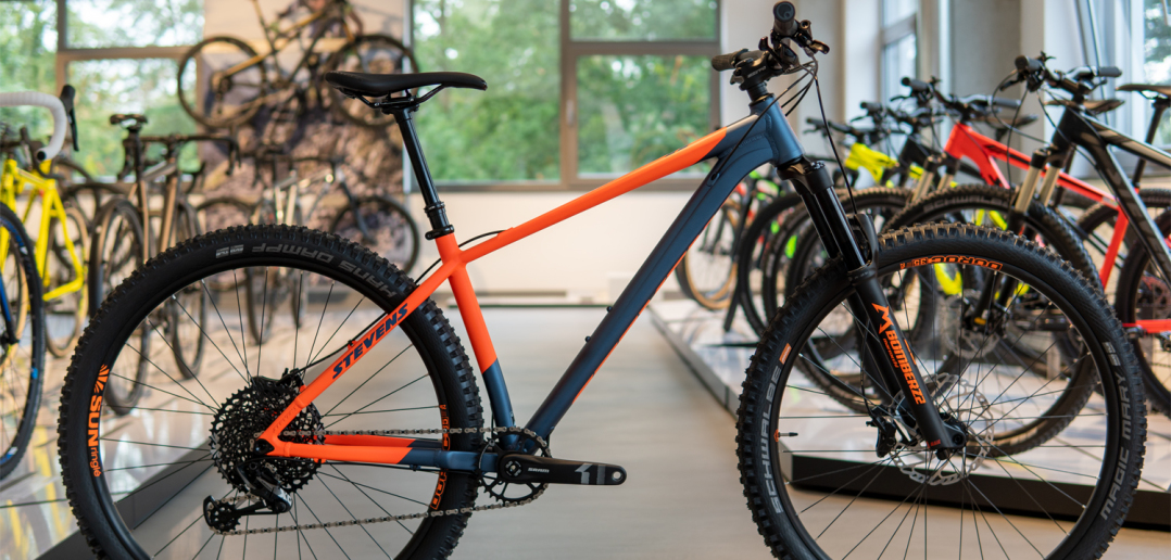 Stevens Monarch Trail 2020: Neues Trail-Hardtail für unter 2.000 Euro [Stevens Hausmesse]