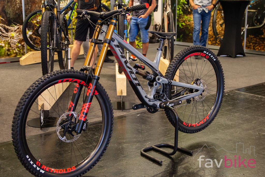 Pivot Phoenix 29: Neue Version des High-End-Downhill-Bikes [Eurobike 2019]