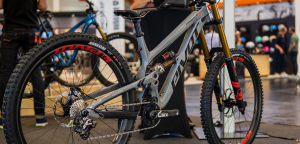 Pivot Phoenix 29: Neue Version des High-End-Downhill-Bikes [Eurobike 2019]