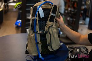 Camelbak Chase 8 Vest und Protector Vest: Kompakte Westen für Mountainbiker mit Rucksack-Funktion [Eurobike 2019]