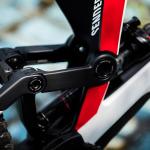 Canyon Sender CFR 2021: Downhill-Bike wird leichter und bekommt 29-Zoll-Laufräder