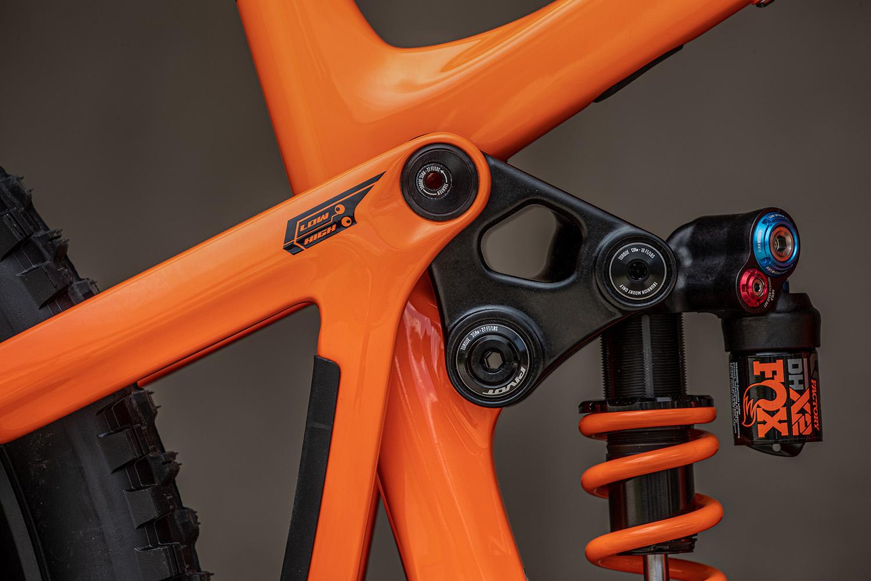 Pivot Firebird 2022: Neues Race-Enduro mit Performance-Upgrade